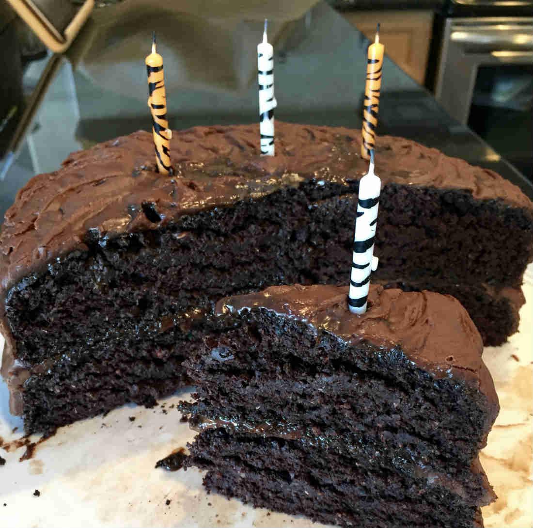 Healthy Vegan Chocolate Cake Double Layer aquafaba